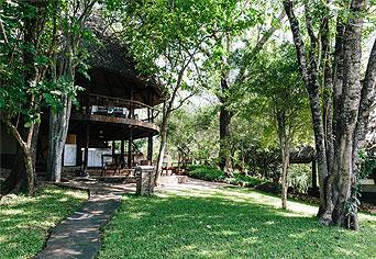 Nhambo Self-catering Lodge