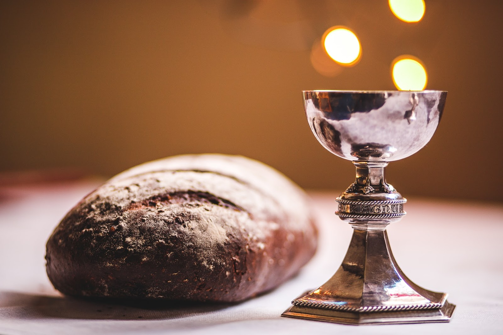 Learn about the Lord's supper prayer with pray.com