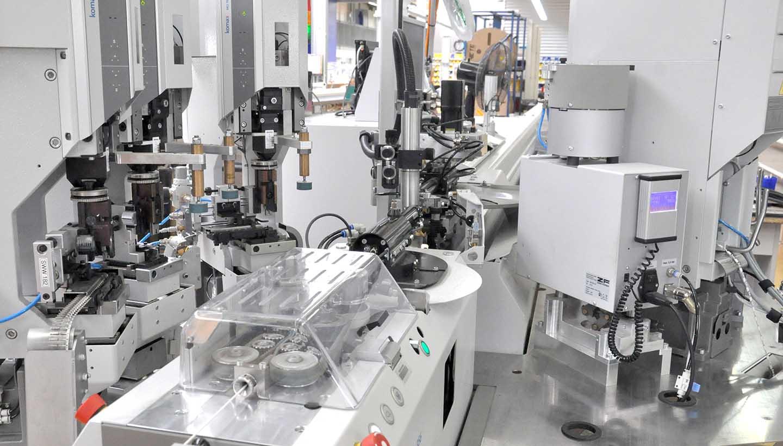 Maschinen und Anlagen aus der Werkshallte von Schrade Kabeltechnik in Allmendingen