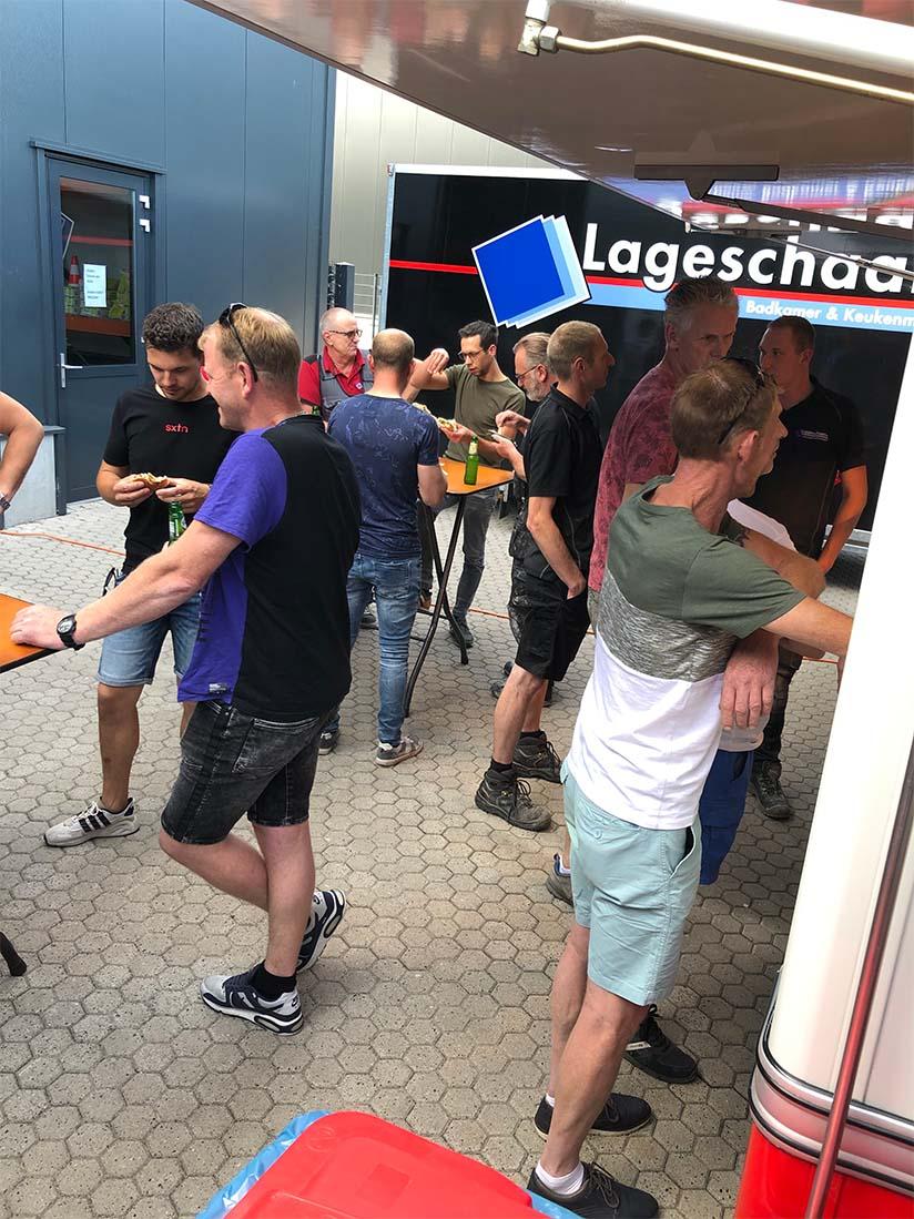 Gezellige borrel met collega's van Lageschaar