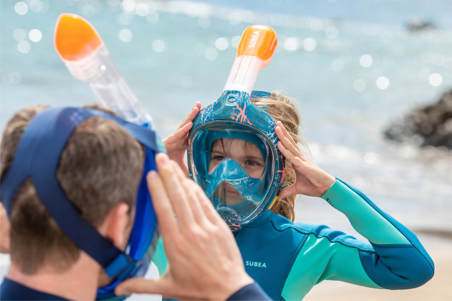 Decathlon's unique snorkeling mask. Easybreathe offering full panoramic view when snorkelling.
