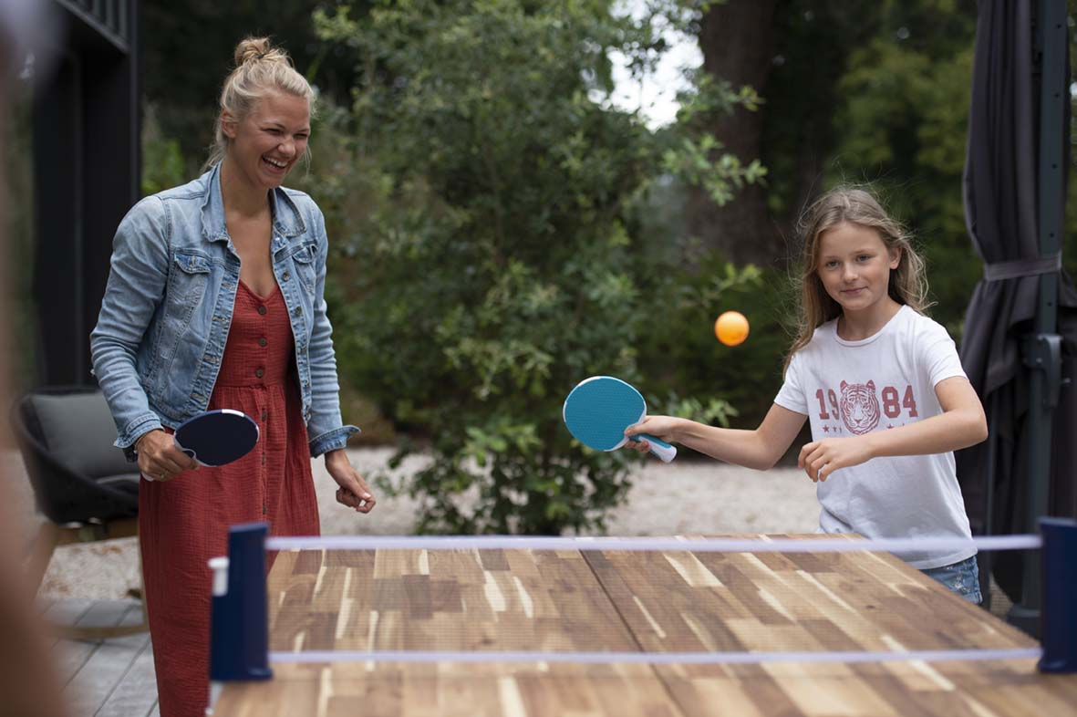Table tennis table available online, roll net for table tennis, family fun activity, available online and in store at Decathlon Ireland