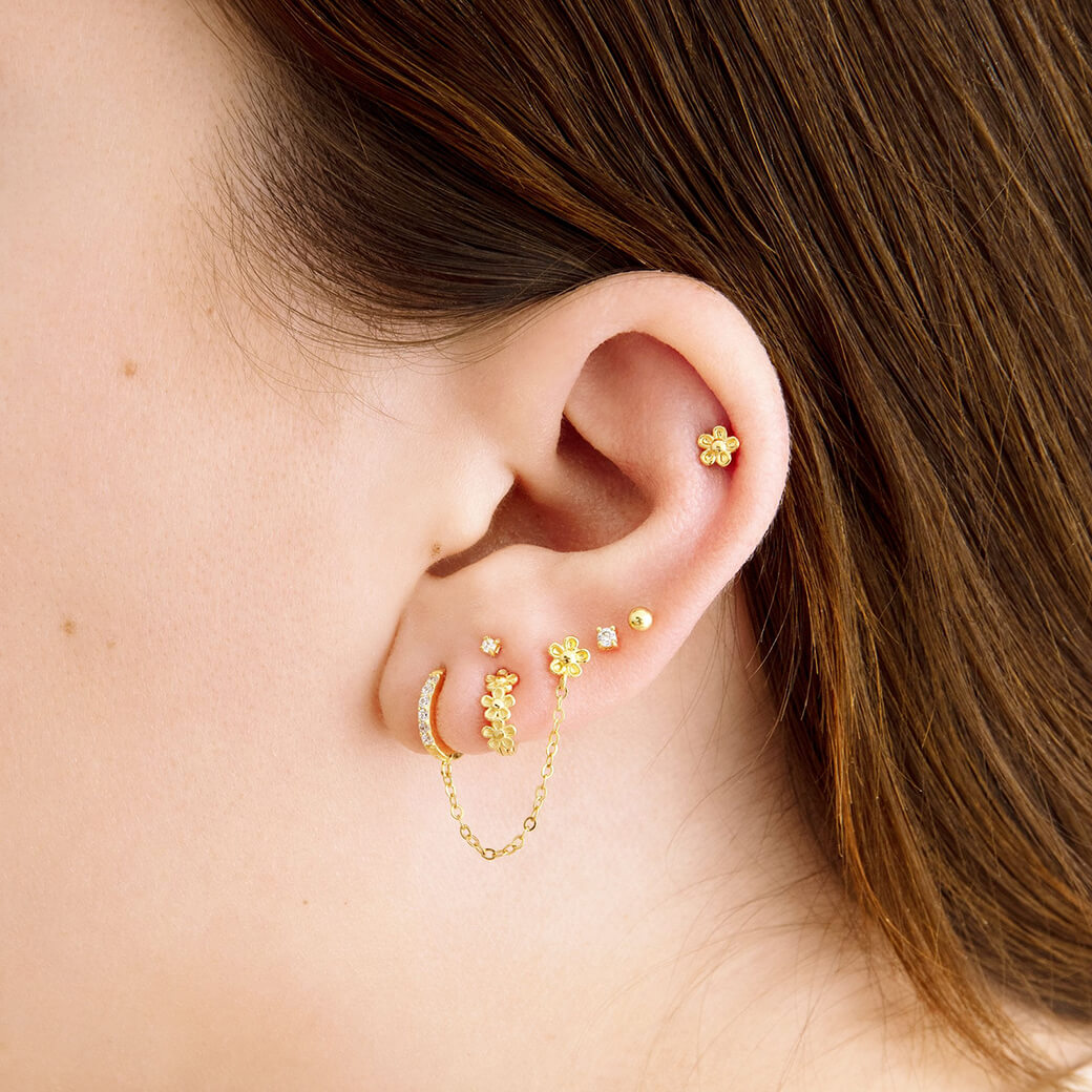 image of earscape with flower