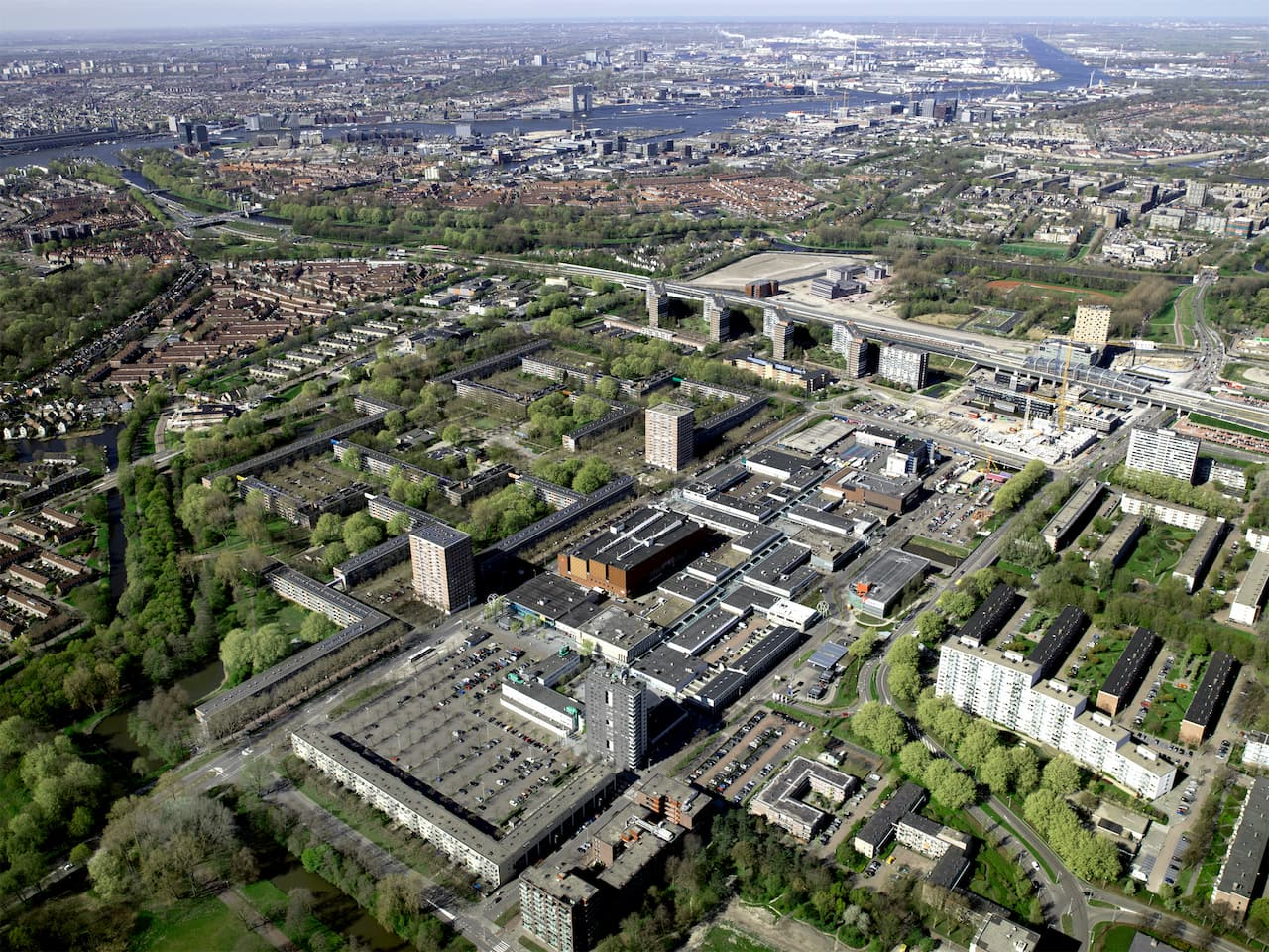 The City of Amsterdam invited Space&Matter to help develop a comprehensive and sustainable strategy for the redevelopment of Buikslotermeerplein. We involved diverse urban experts, stakeholders and local citizens to develop a strategy for the redevelopment of this shopping area in the North of Amsterdam. The masterplan and the process to deliver it has the purpose to transform a grey, monofunctional shopping mall area into a sustainable, vibrant and highly liveable city centre in Amsterdam's northern periphery.
