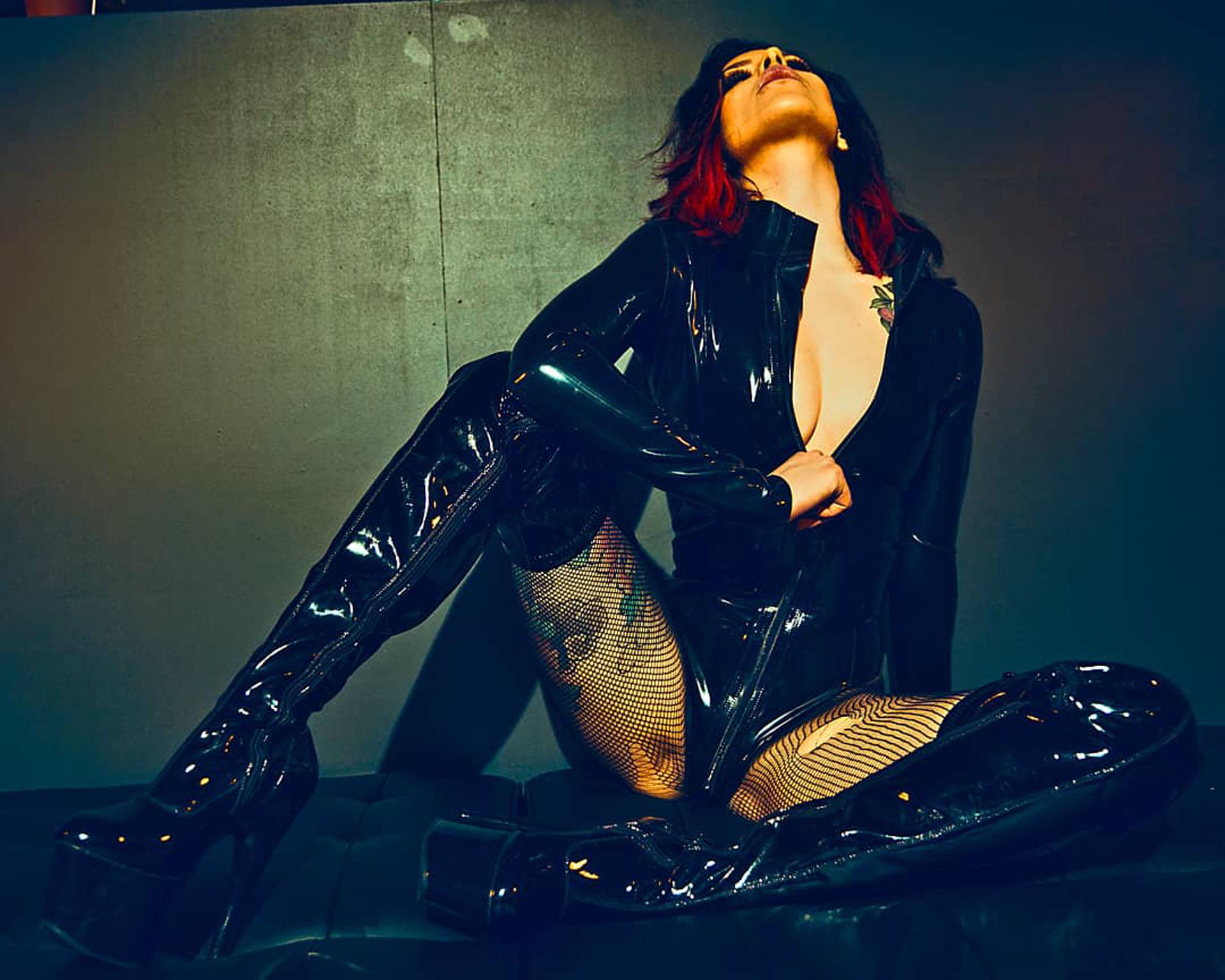 Mistress Adreena 13
