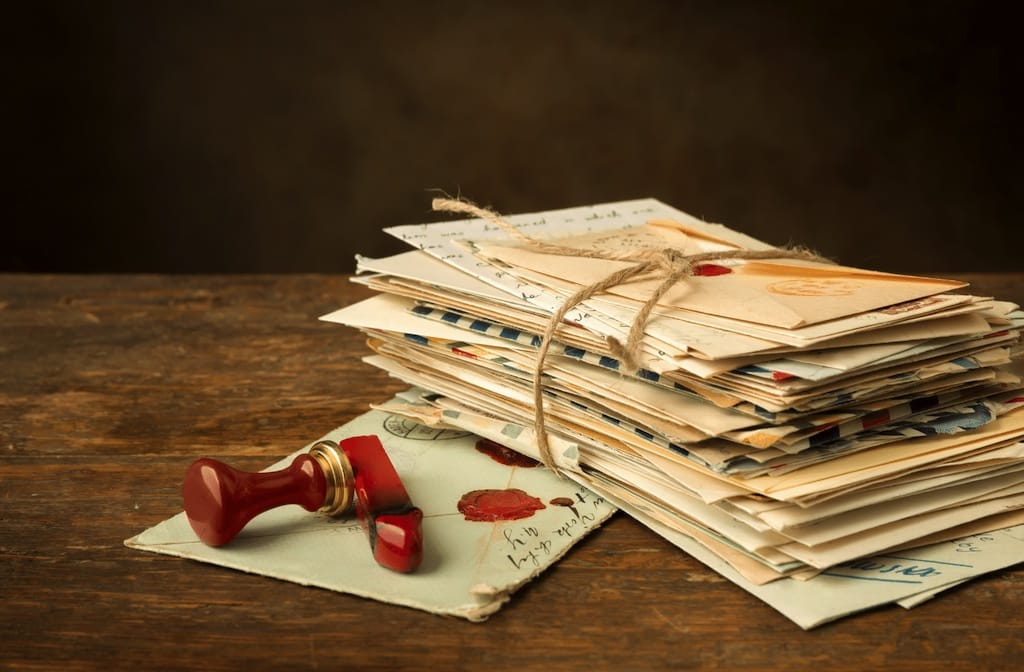 pile-of-old-love-letters