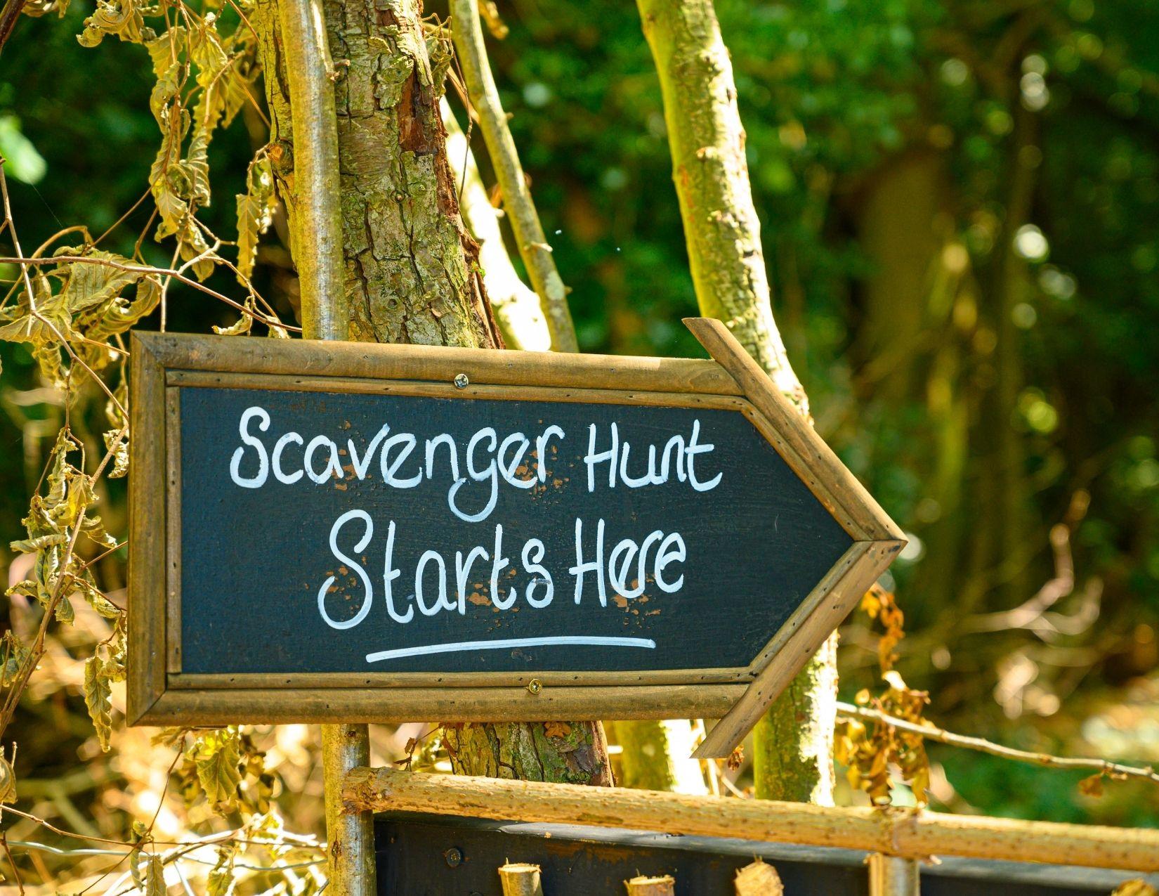 scavenger hunt starts here sign