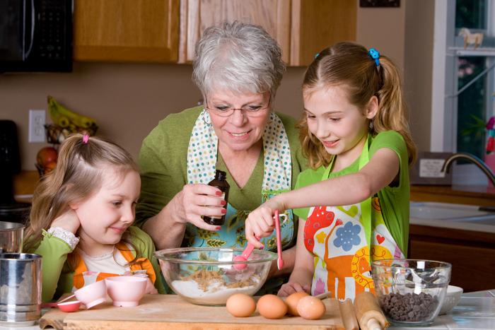 grandma baking with grandchildren