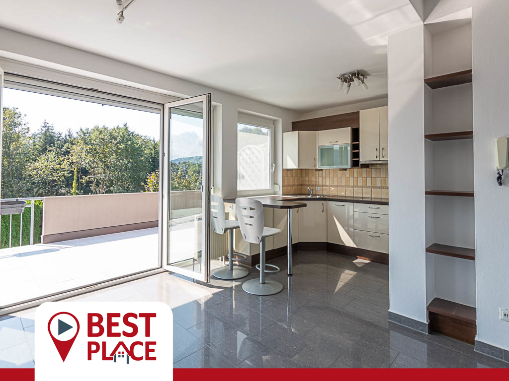 VERKAUFT: Herrlich offene 3 Zimmerwohnung in Panorama-Lage mit Süd-West Terrasse