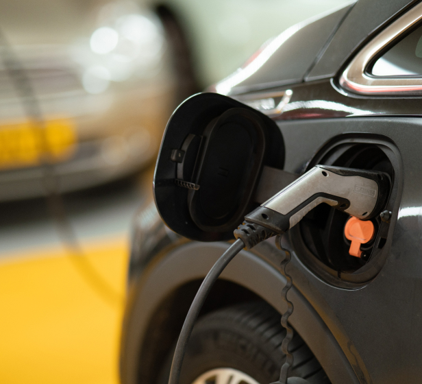 From mobile to rapid charging, we offer a complete solution for passenger and light-commercial vehicles.