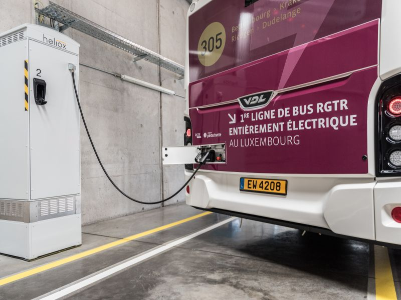 Different electric buses, one rapid charging system by Heliox