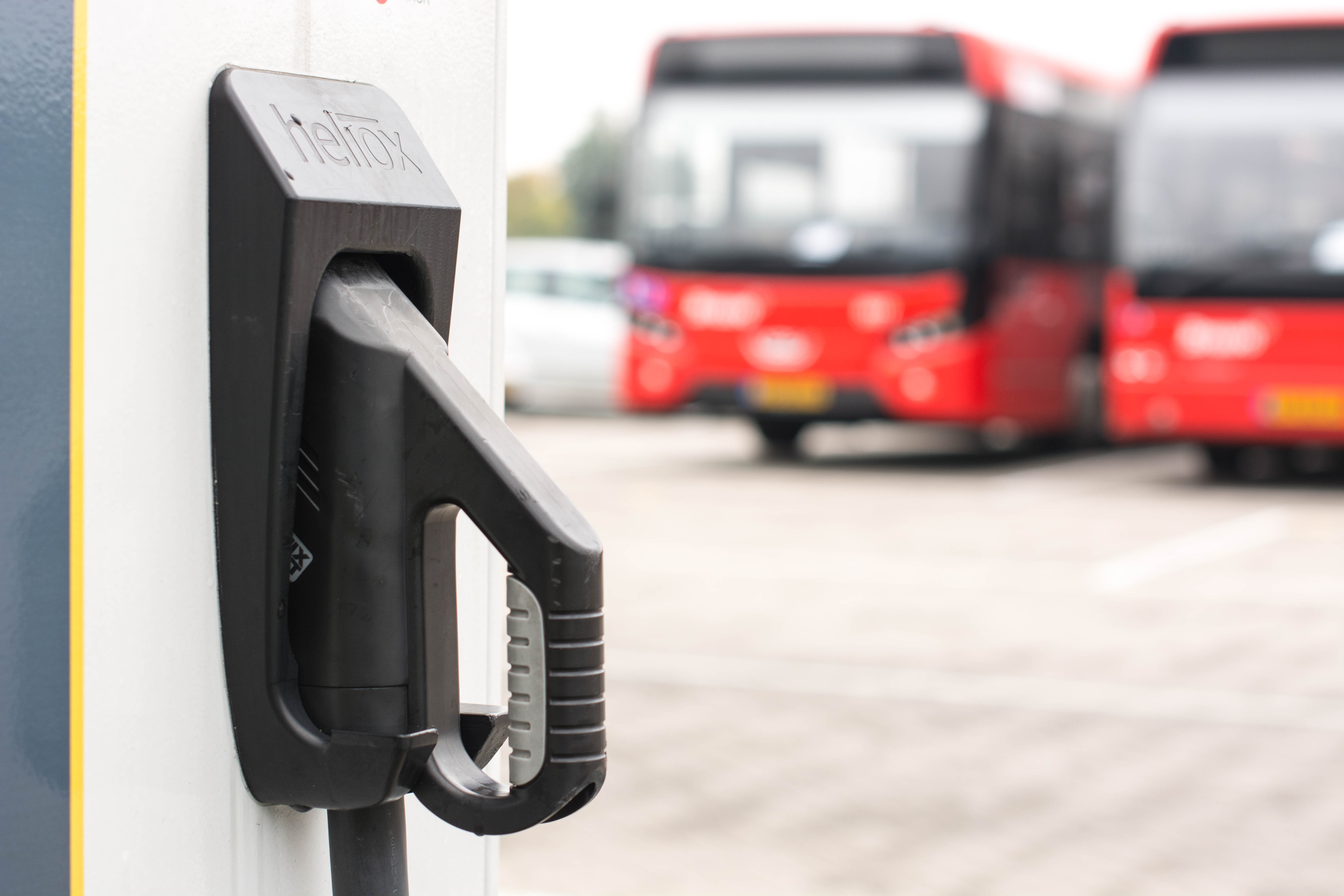 E-Buses parked at Heliox rapid charging station