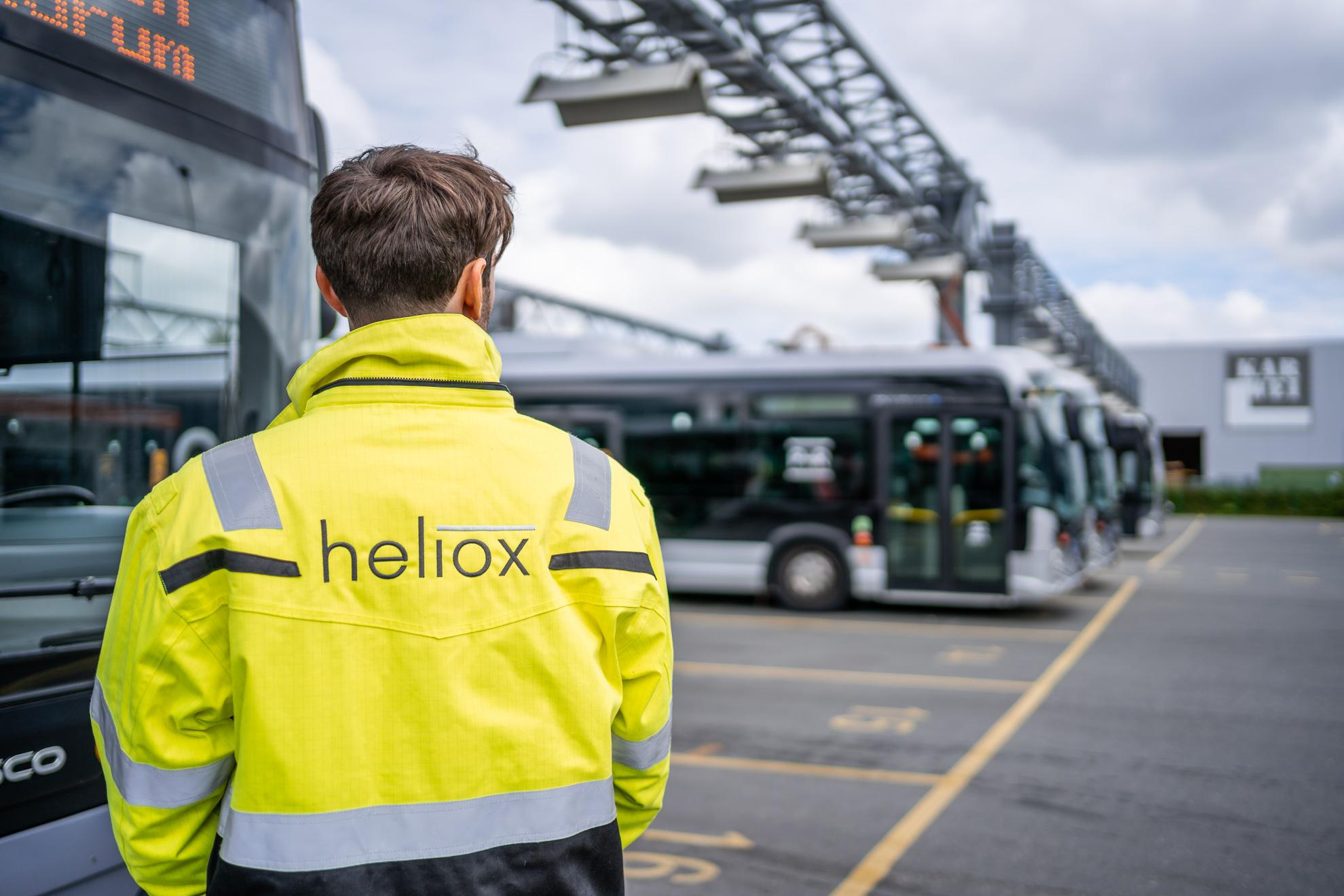 Man conducting himself at Heliox station