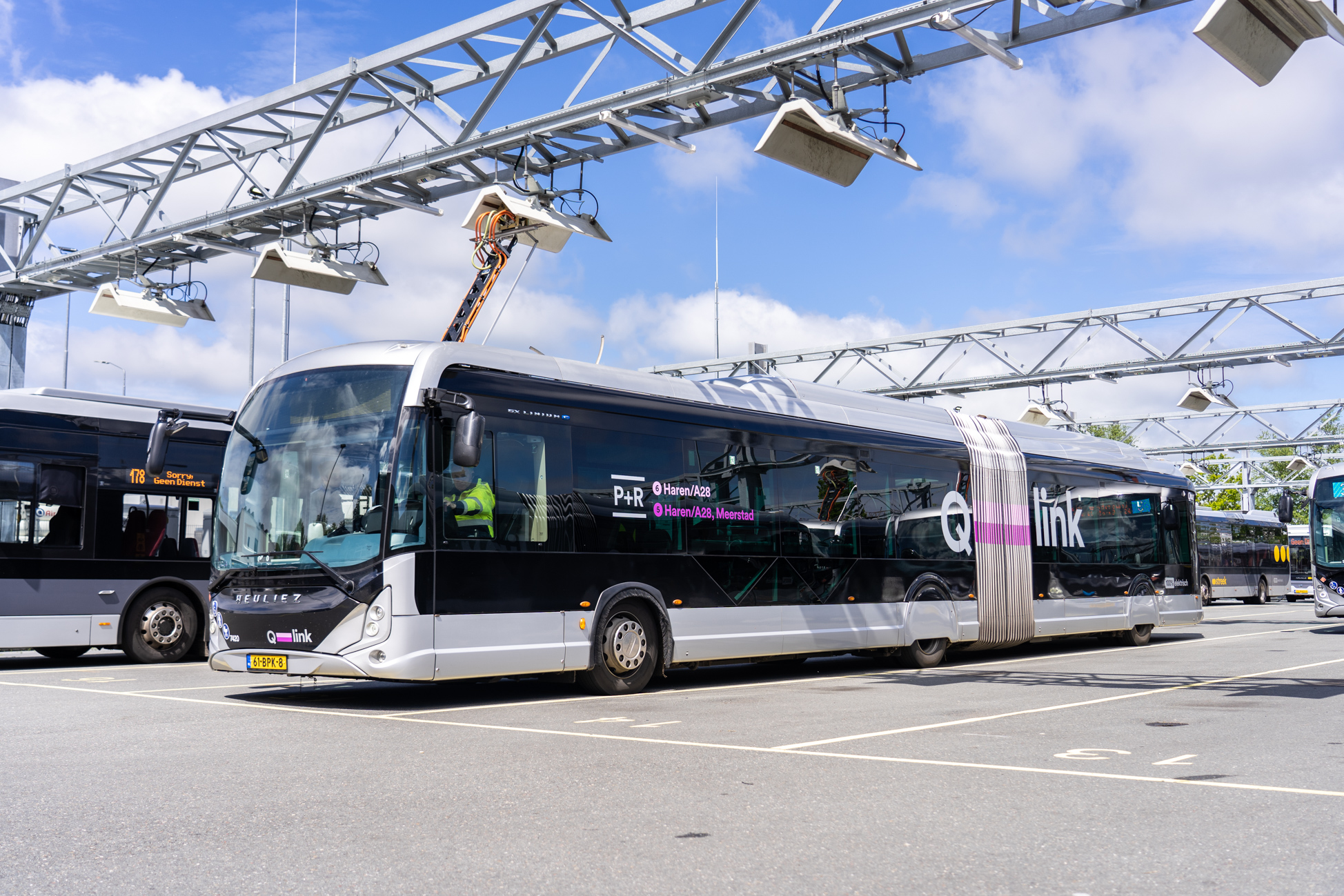 The largest-ever fast-charging network for multi-brand e-busses in Groningen and Drenthe