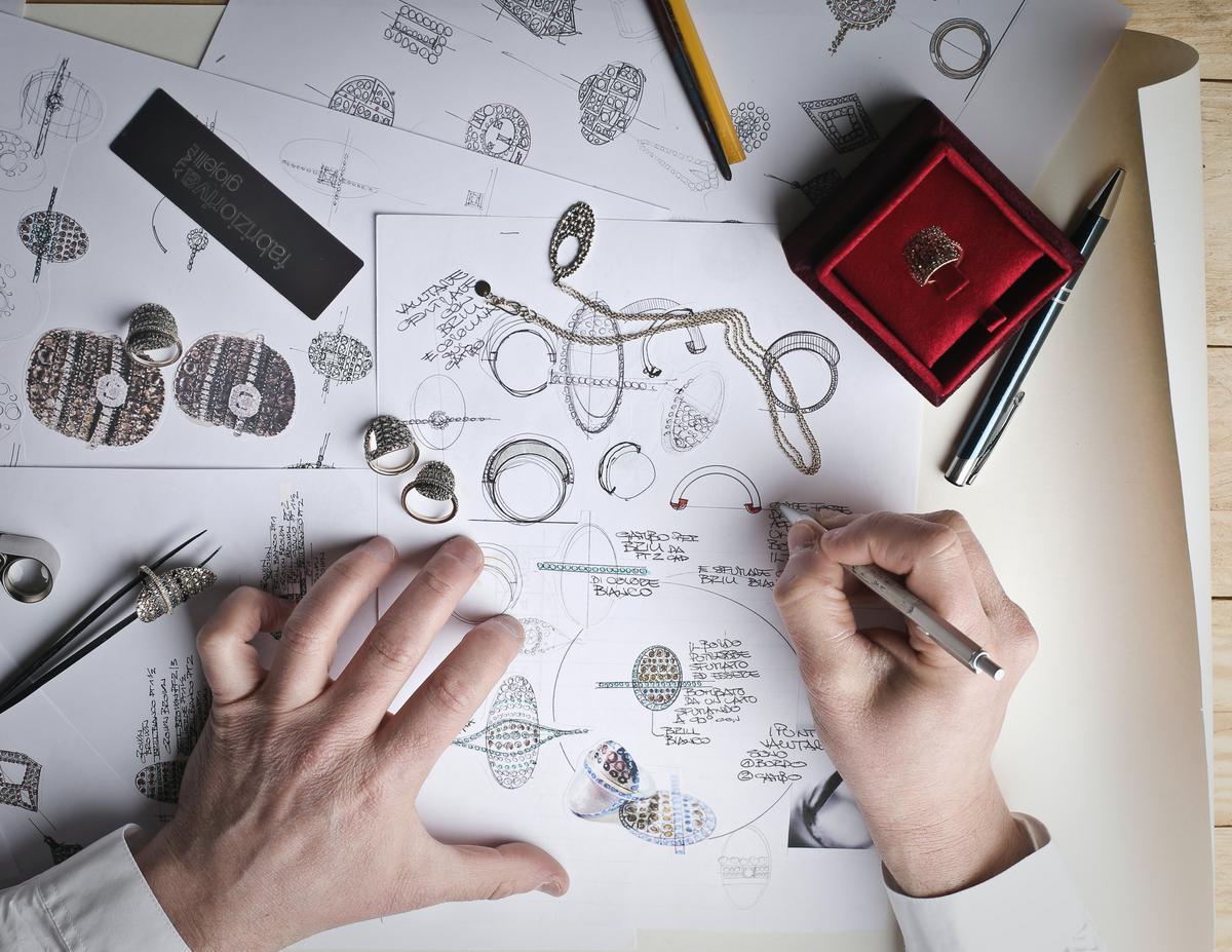 De la conception à la vente, le parcours de la donnée produit.