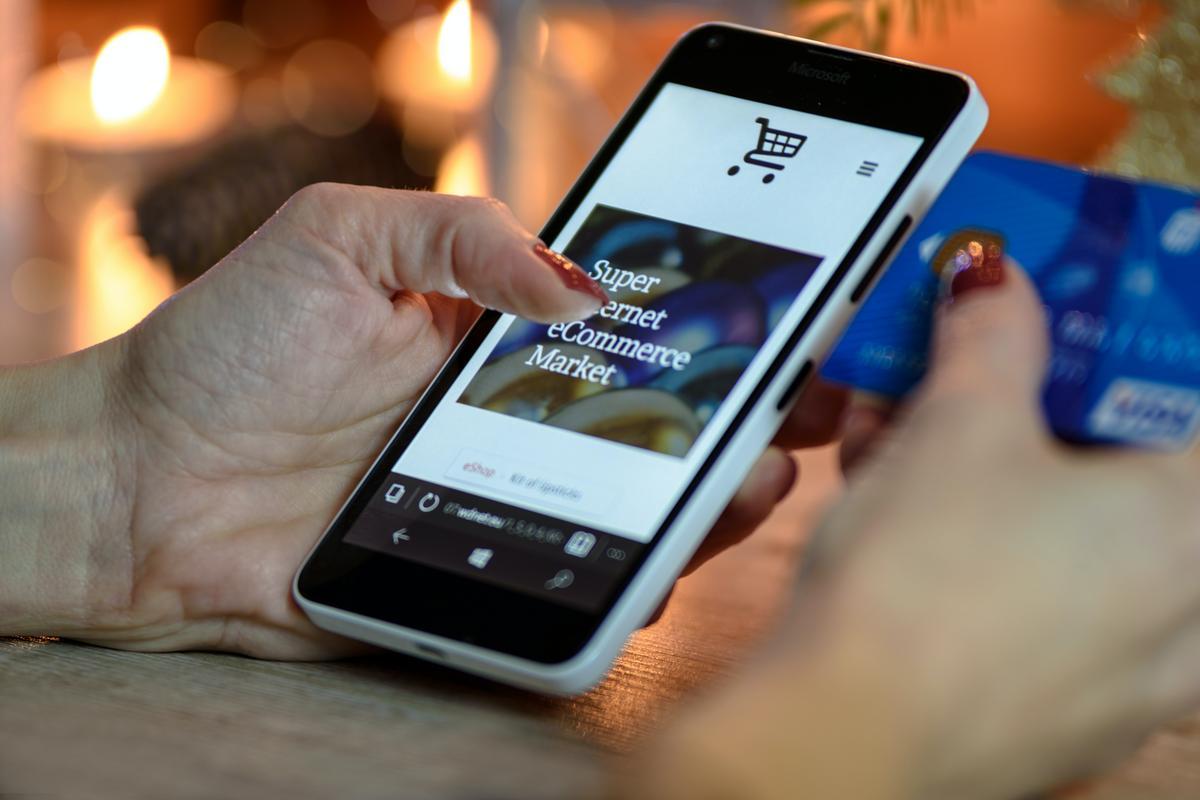 Ce que nous disent les chiffres clés du e-commerce de la Fevad sur les PIM