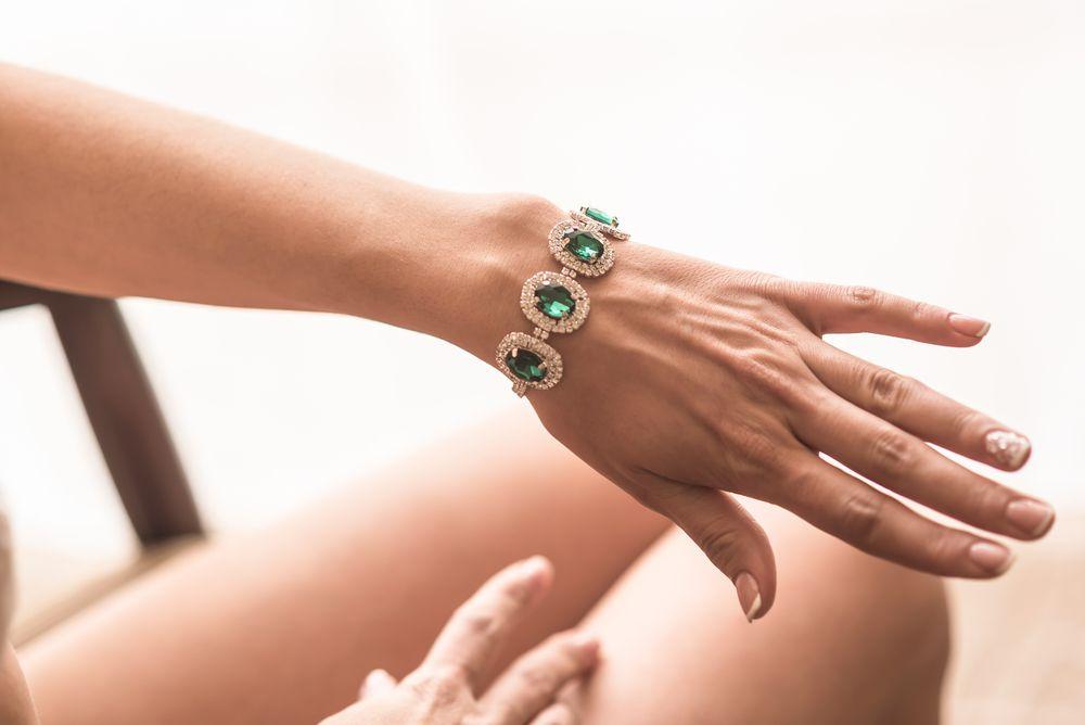 5 informações essenciais sobre joias de Esmeralda