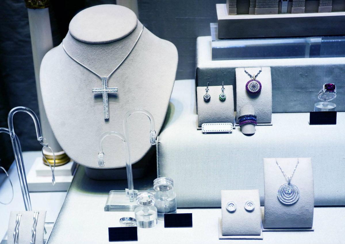 Por que usar a religiosidade nas joias em favor de seu negócio?