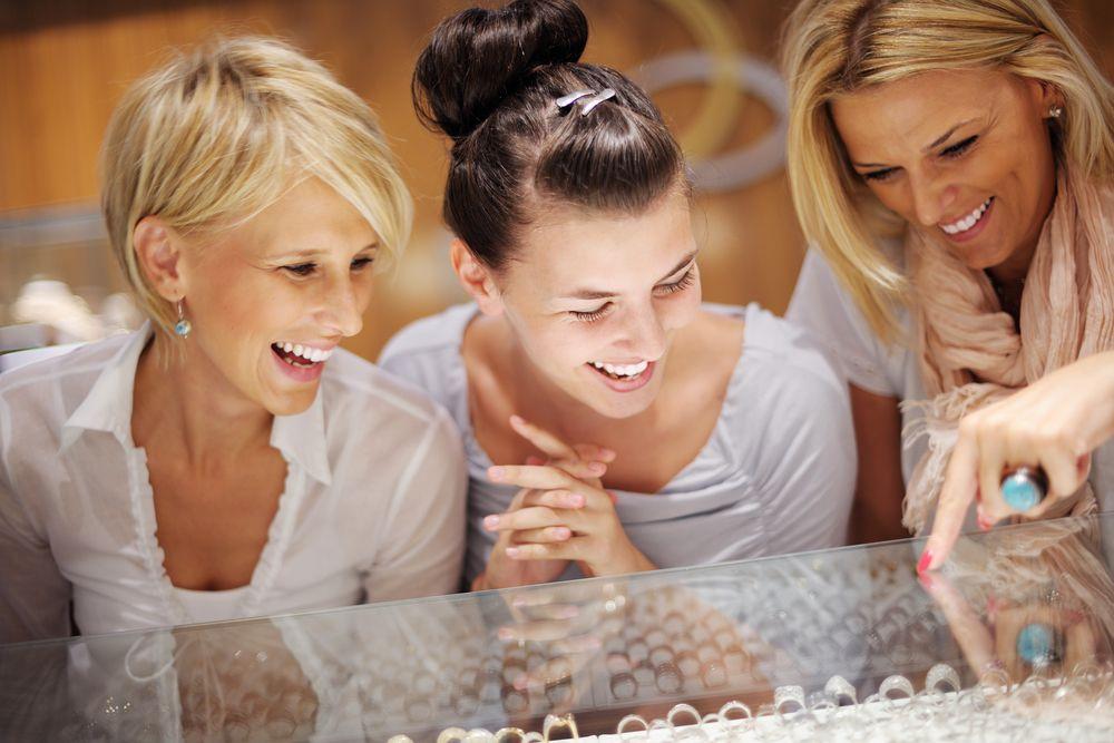 5 passos para oferecer atendimento personalizado em sua joalheria