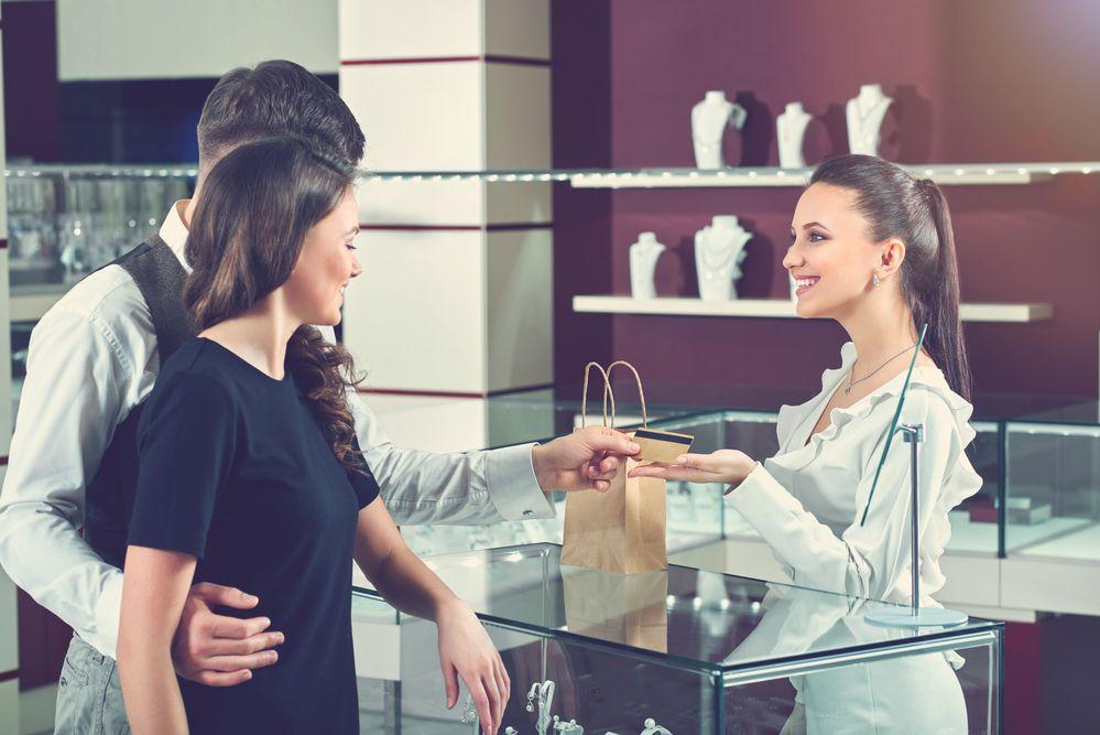 O que fazer para melhorar a retenção de clientes da minha joalheria?