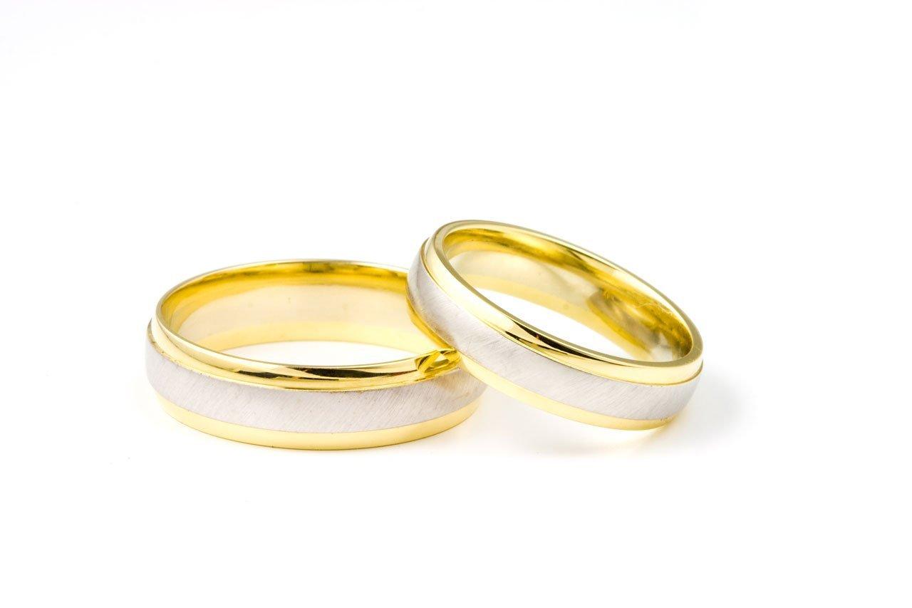 Conheça os principais modelos de alianças de compromisso disponíveis nas joalherias