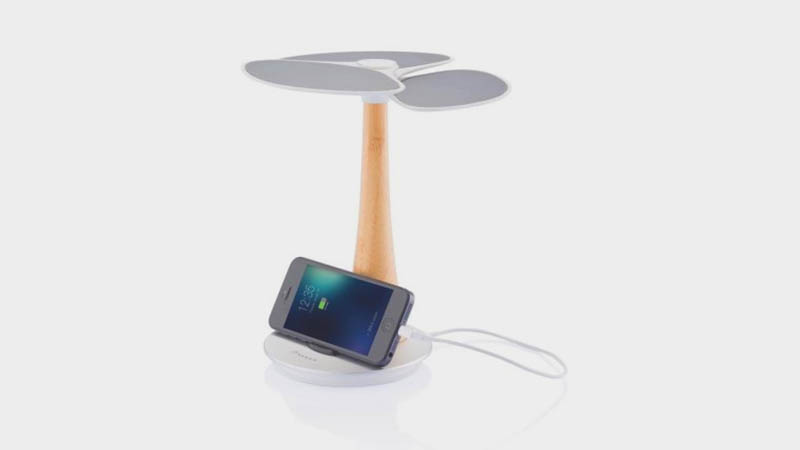 Eco-friendly Solar Tree Charger