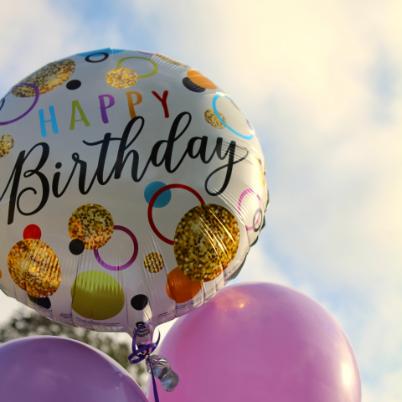Ronde ballon met Happy Birthday