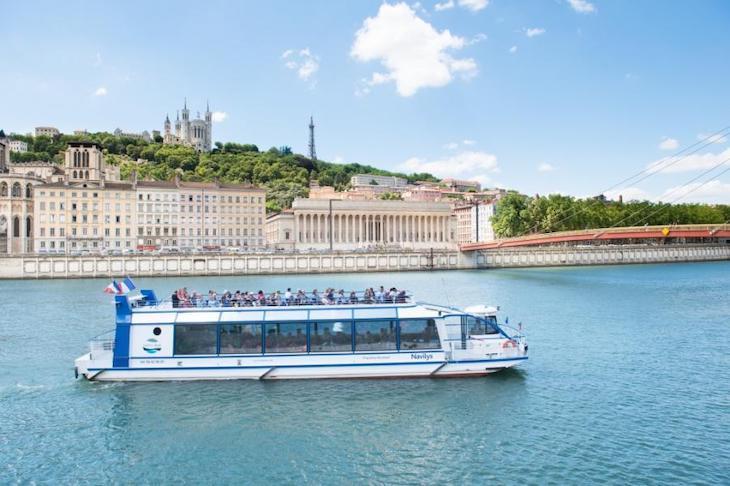 Bateau croisière sur la Saone à Lyon
