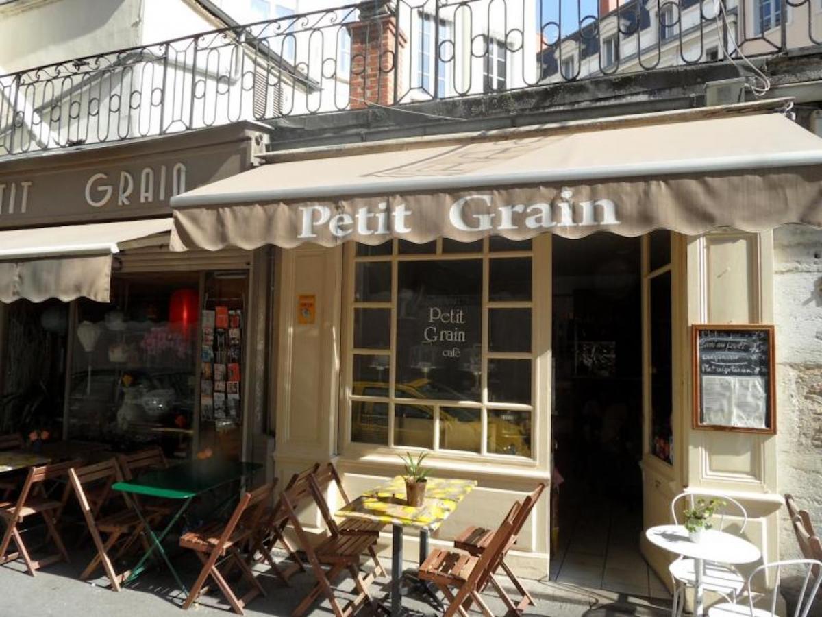 Photo de la devanture du Petit Grain, top restaurant Vietnamien à Lyon