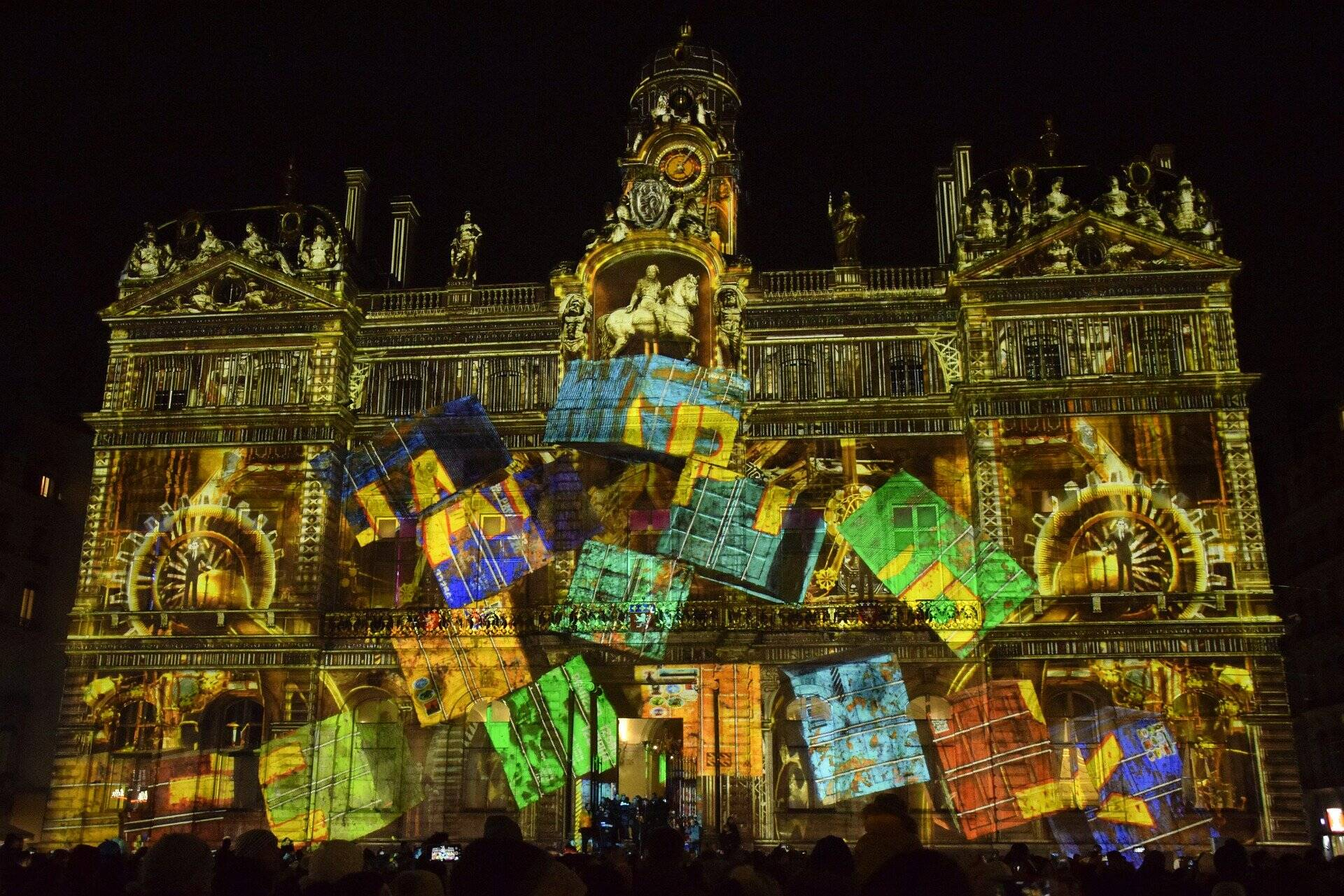 Pourquoi Lyon s'appelle la Ville des Lumières ?