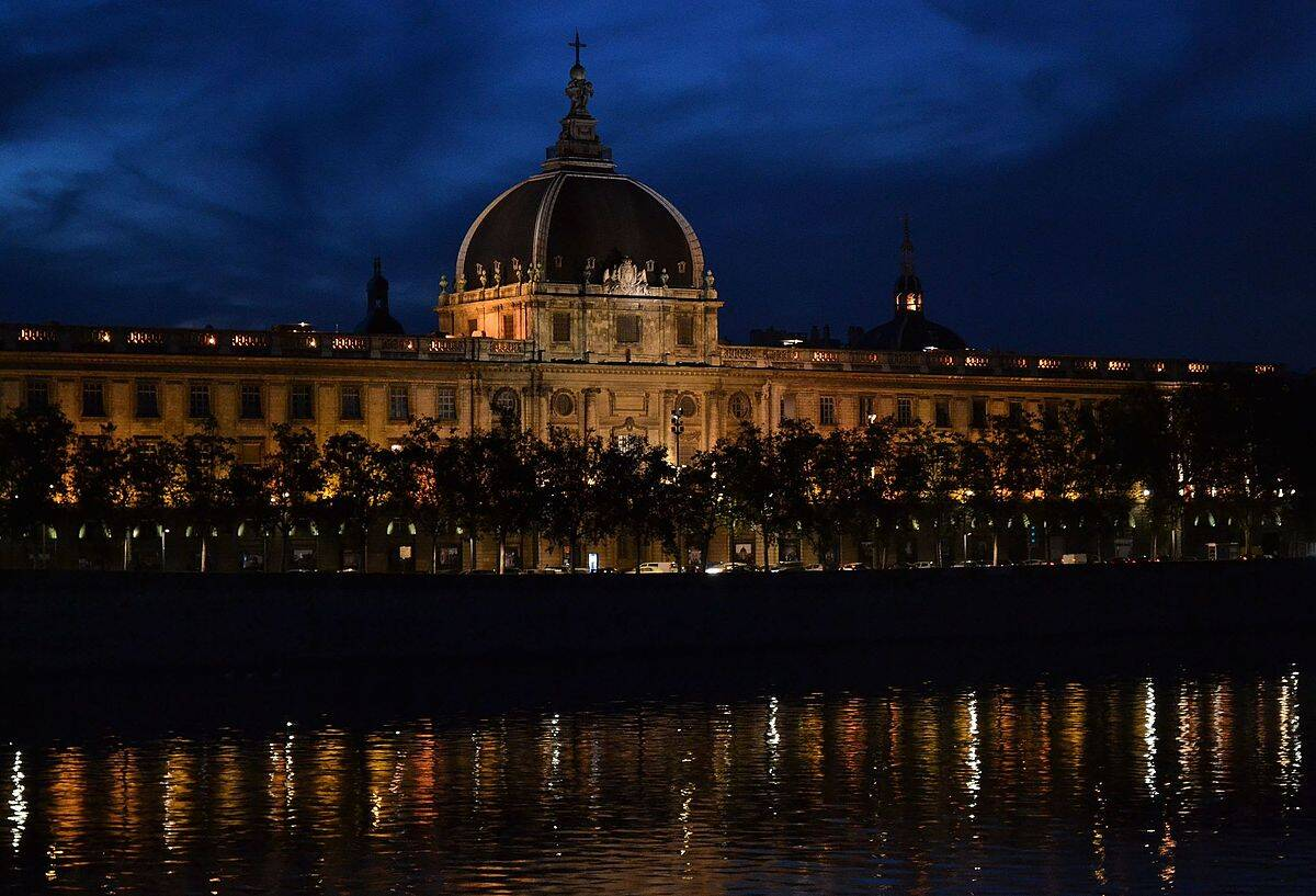 Le grand Hôtel-Dieu :  le plus grand chantier privé de réhabilitation d'Europe