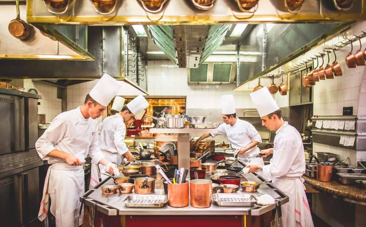 SOLIDARITÉ : Des repas offerts aux EHPAD par les chefs des Brasseries Paul Bocuse