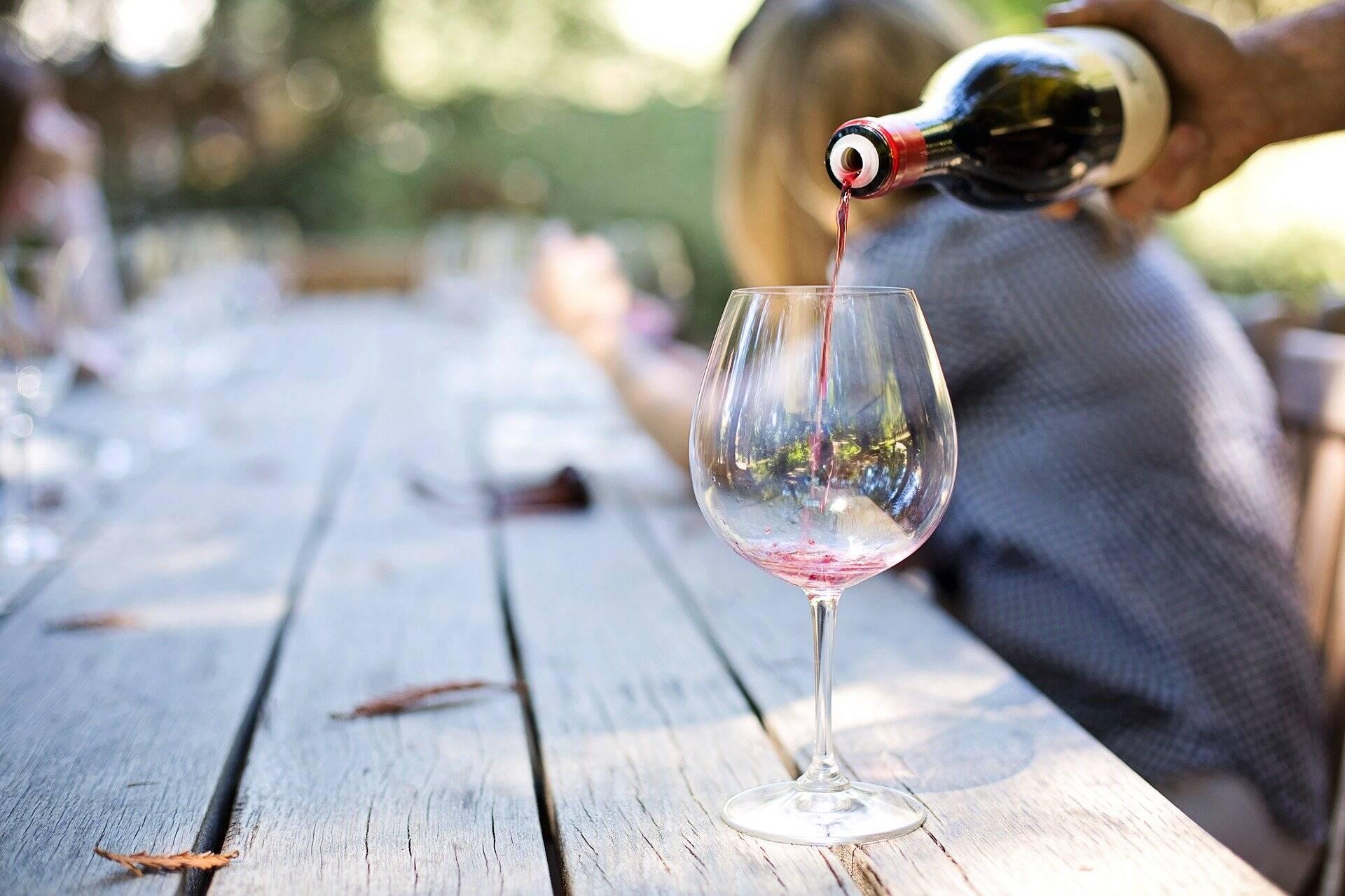 Avis aux Lyonnais amateurs de vin : devenez testeurs pour l'Institut Français de la Vigne et du Vin !