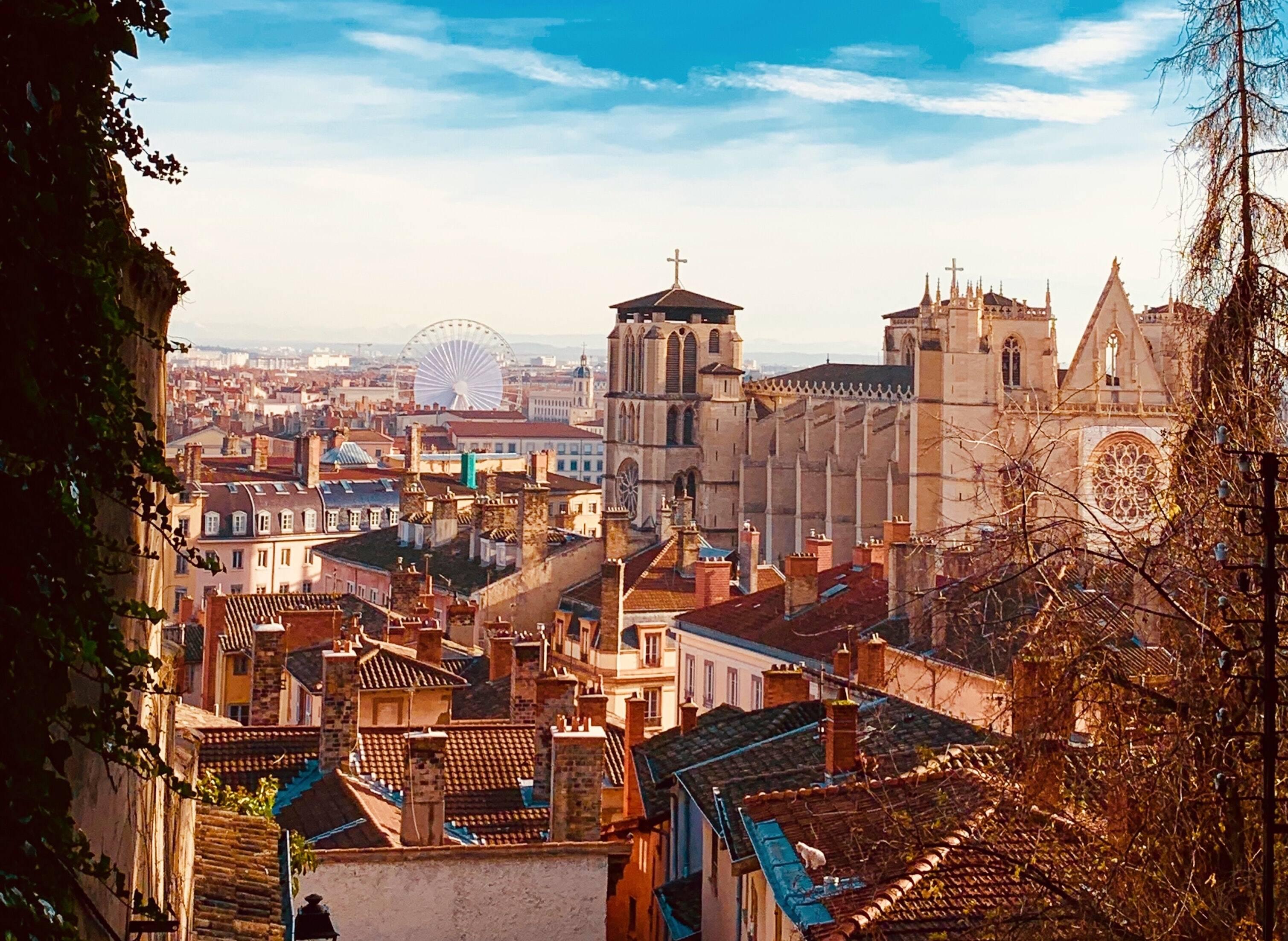#lePéloPerplexe : Qui sont ces Saints qui ont donné leur nom aux quartiers du Vieux Lyon ?