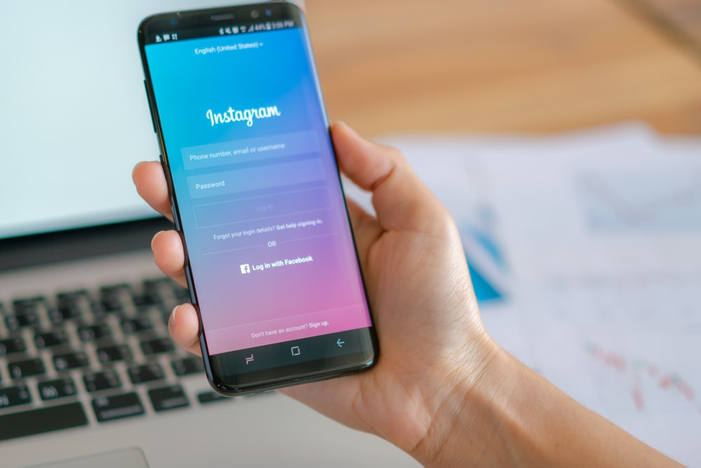 How To Become A Seller On Instagram For Free!