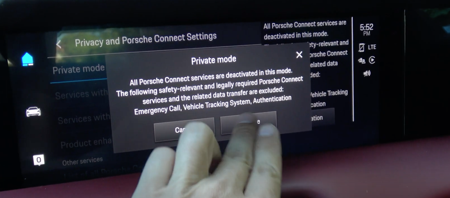 A user selecting to enter private mode where all the connected services are deactivated