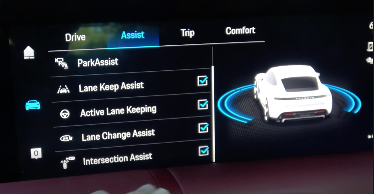 A list of various parking assistance settings with a car rendering on the side