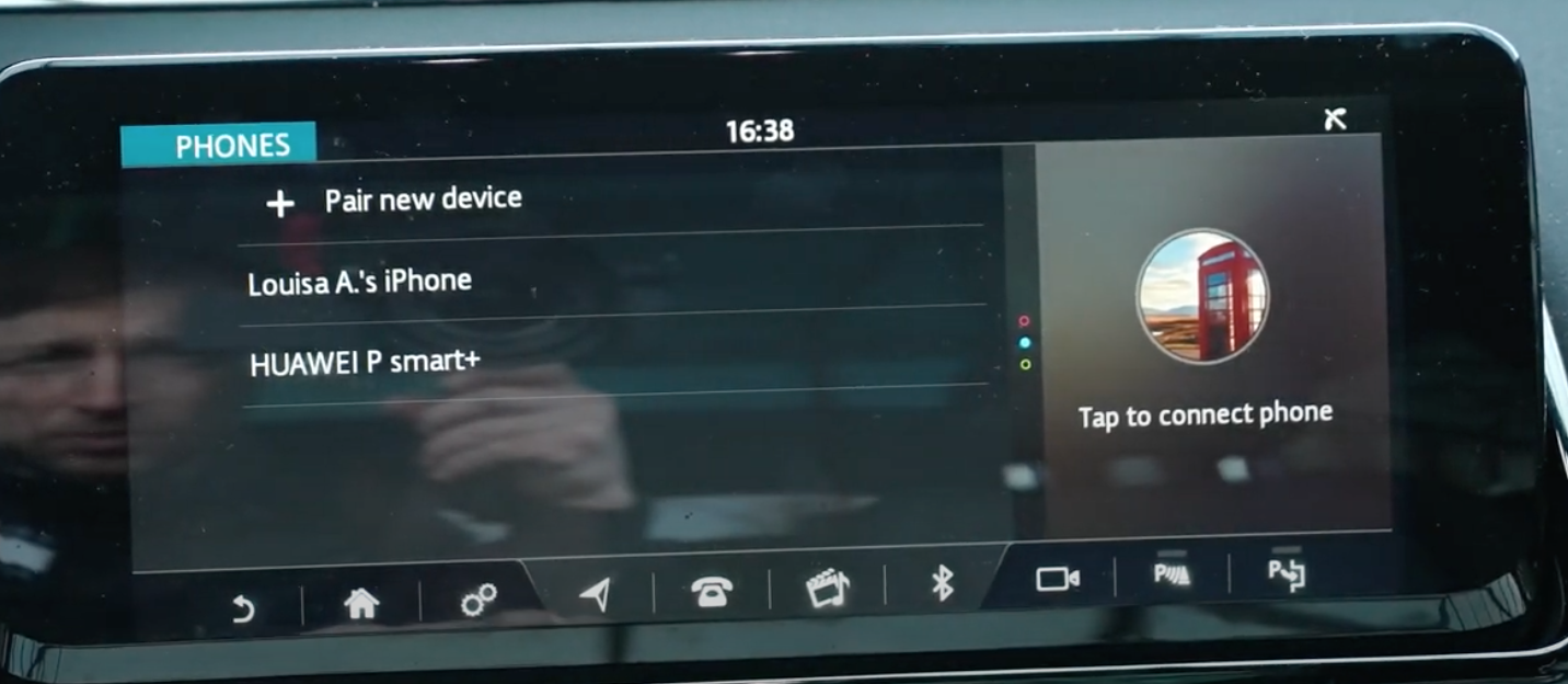 Device manager showing all the devices that are connected to the vehicle