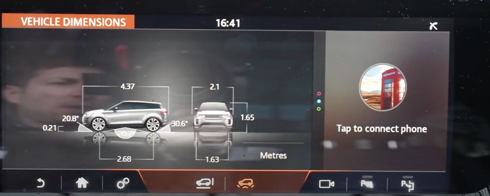 Vehicle dimensions in metres with the front and side view of a car