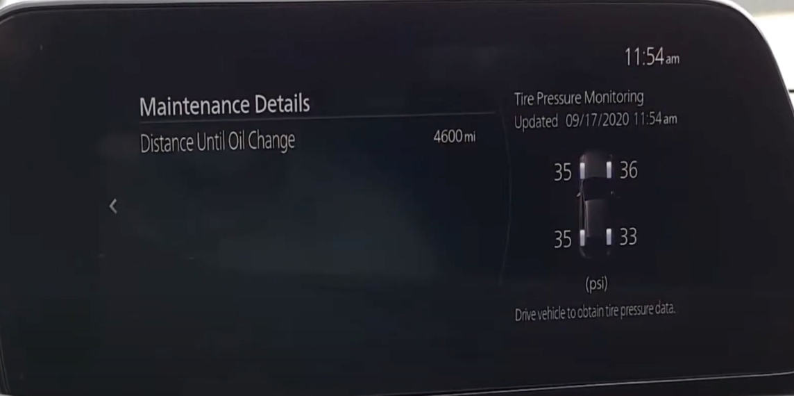 Information about the current maintenance status about oil change and tire pressure