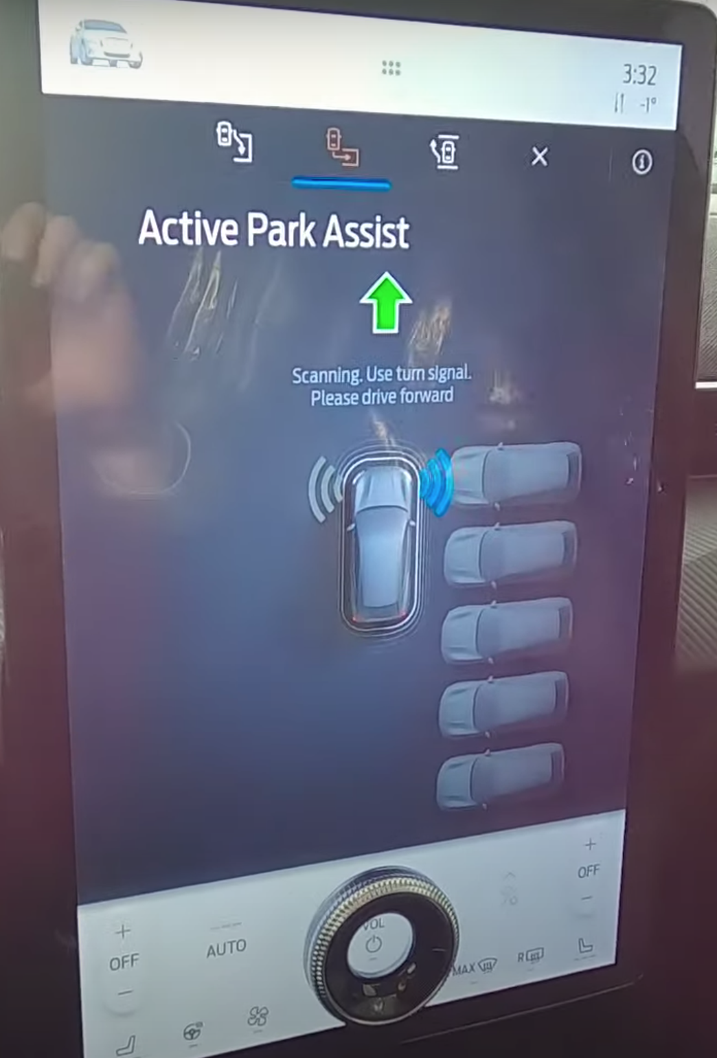 Active park assist page to guide a user from start to finish