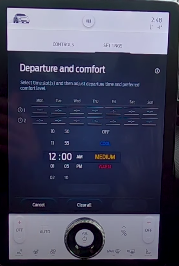 Presetting the departure and comfort levels by selecting time and date slots