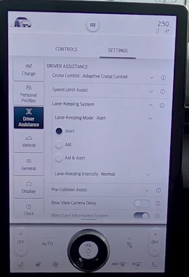 Lane keeping system settings, chosing the mode from three options, alert, aid or both