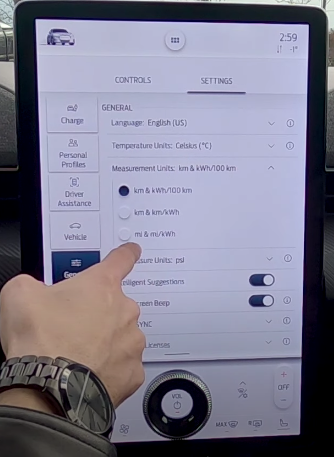 Selecting the measuremen units for the general infotainment settings