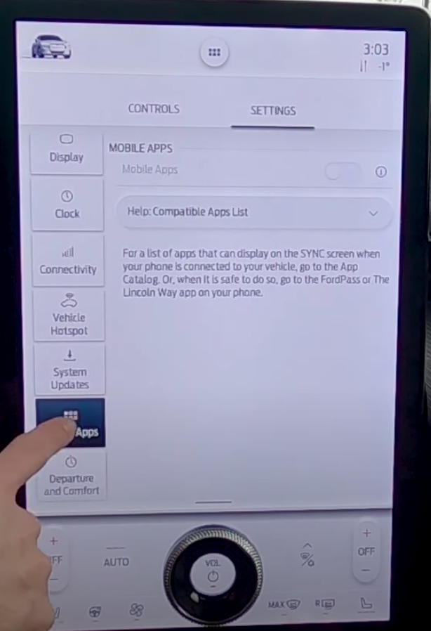 Checking which mobile apps are compatible with the vehicle and turning on and off that feature through a toggle