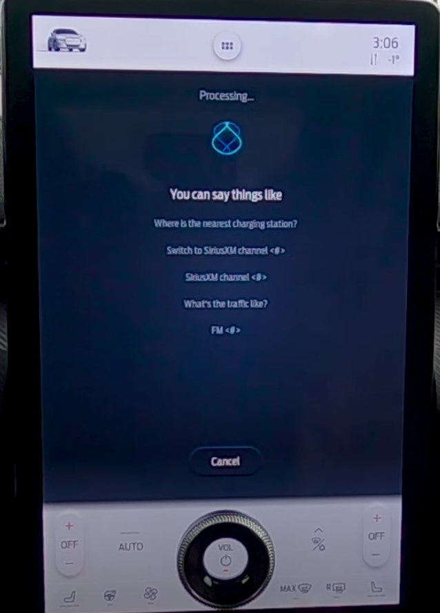 Circular animations of a voice assistant when it is processing a user's command