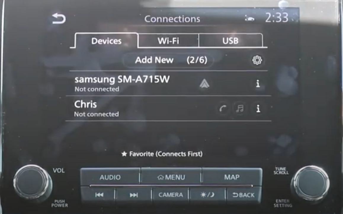 Device manager with a list of smart phones that are already connected to the vehicle