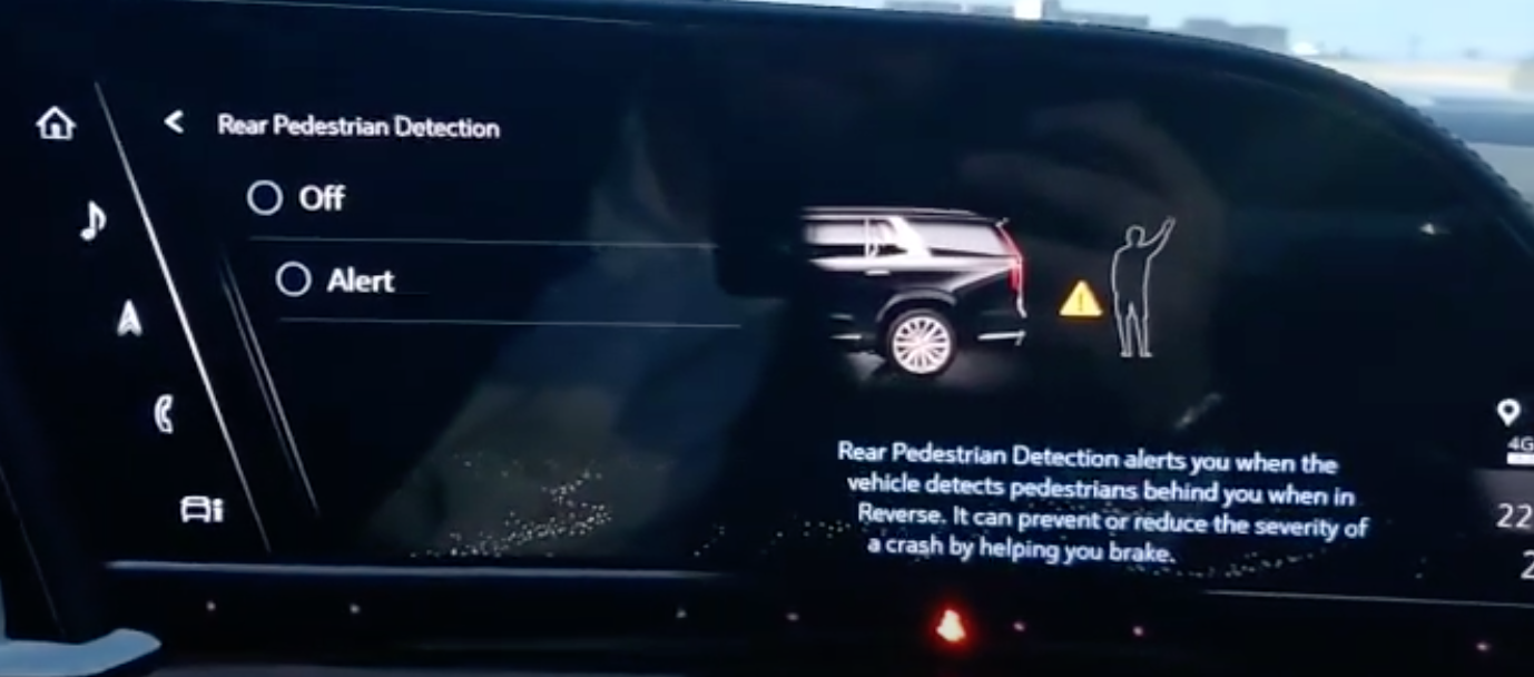 Turning on and off rear pedestrian detection and an illustration on the right portraying a pedestrian behind a car with a warning sign