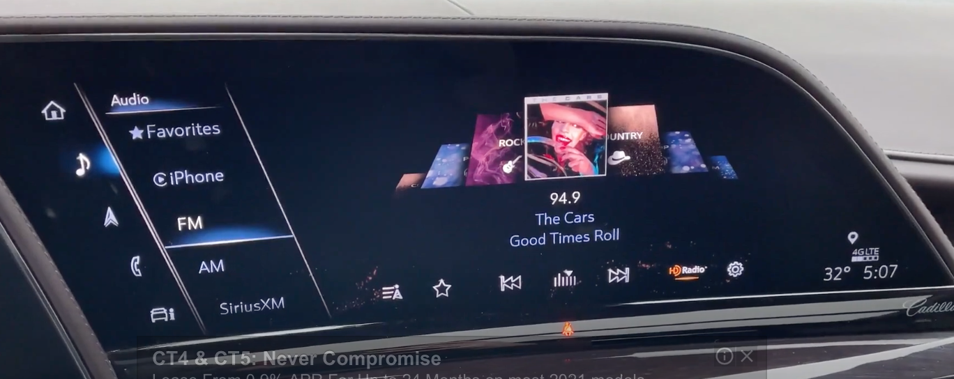 How the radio player looks on the screen with the options to change the audio source on the left