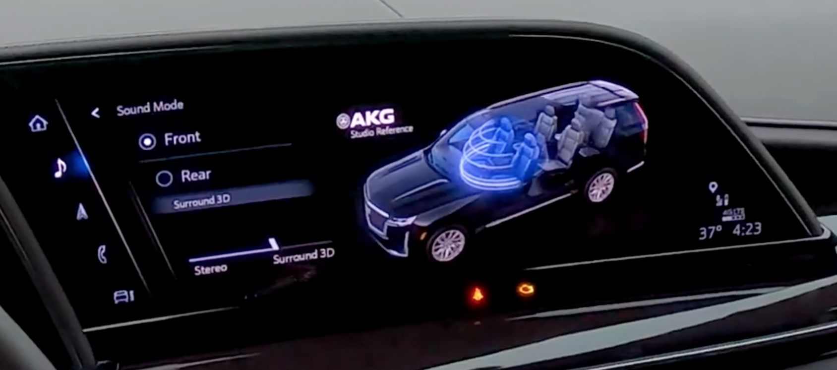 Changing the sound mode to surround or stereo with an illustration of a car highlighting the places that the sound is spreading